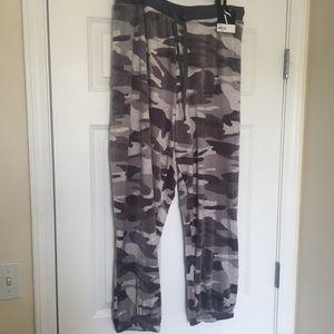 New 3X Simply Vera Gray Camo Velour Pajama Pants
